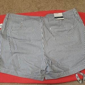 Old Navy Shorts - NWT Old Navy everyday shorts